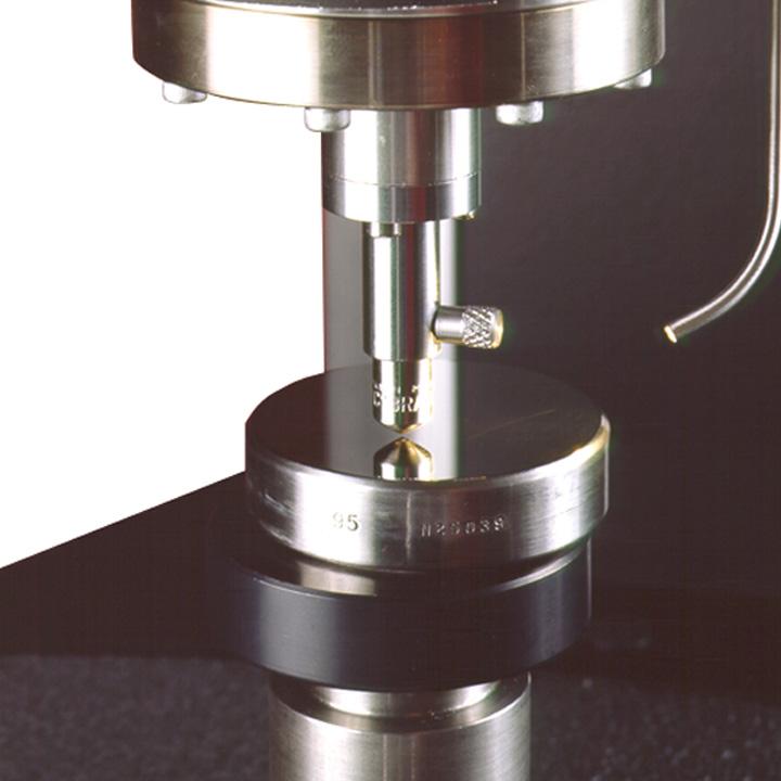 Härteprüfung: Bei der Härteprüfung für Kunststoffe handelt es sich um Eindringhärteprüfungen. Die Eindringtiefen werden dabei – wegen der hohen elastischen Rückfederung – im Gegensatz zu Metallen, i. a. unter Last nach festgelegten Zeiten ermittelt.
